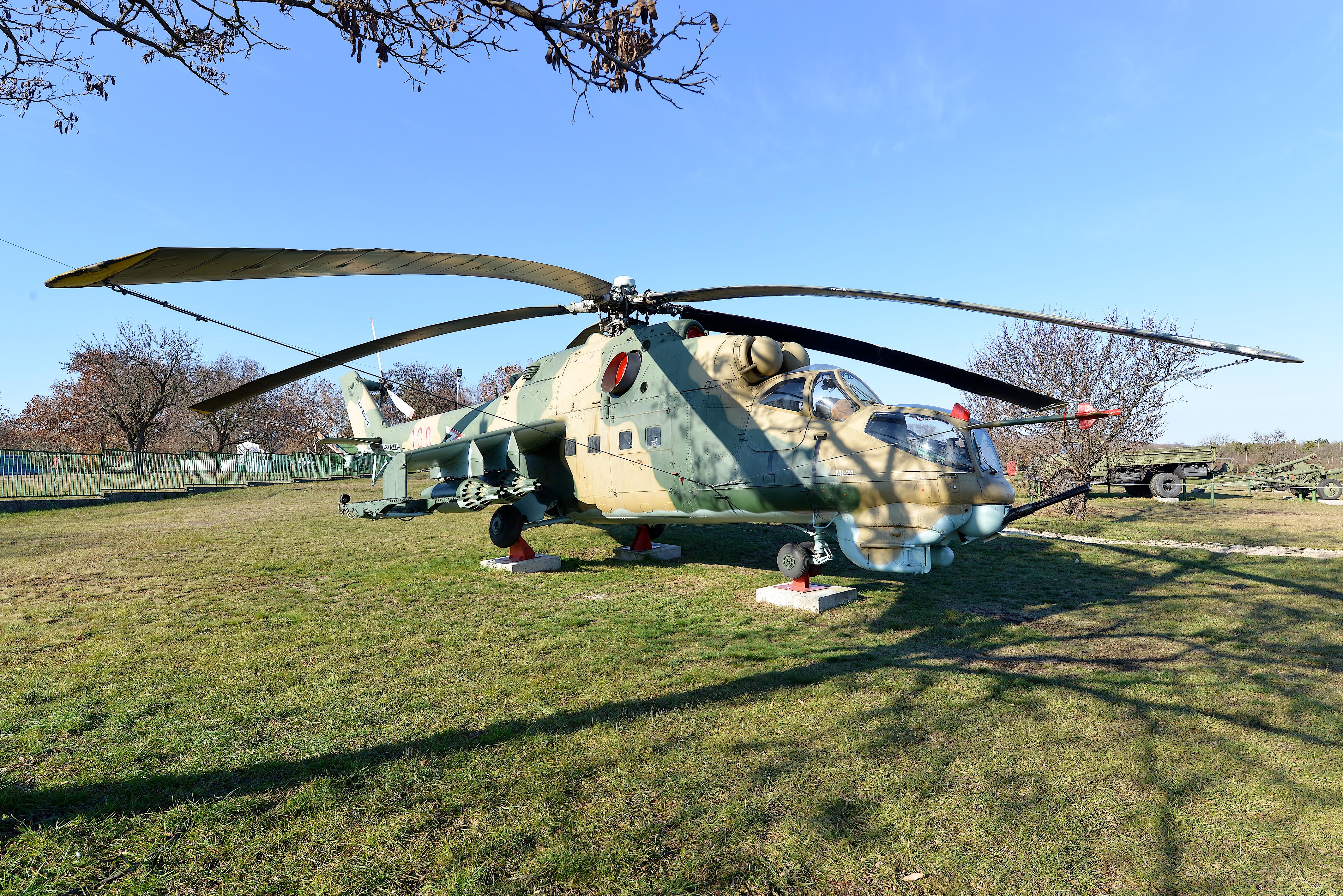 MI-24D harci helikopter